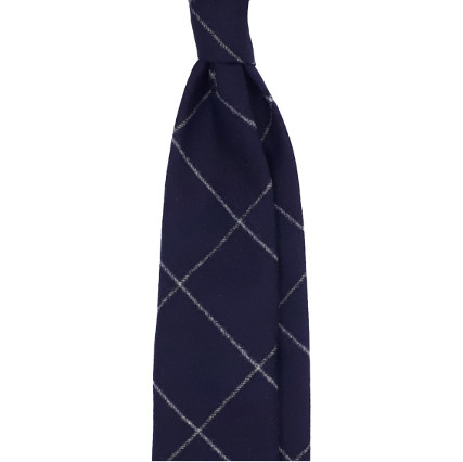 3 fold tie blue diamond pattern